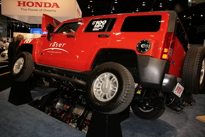 Raser Technologies develops 100MPG Hummer H3 just to spite Al Gore