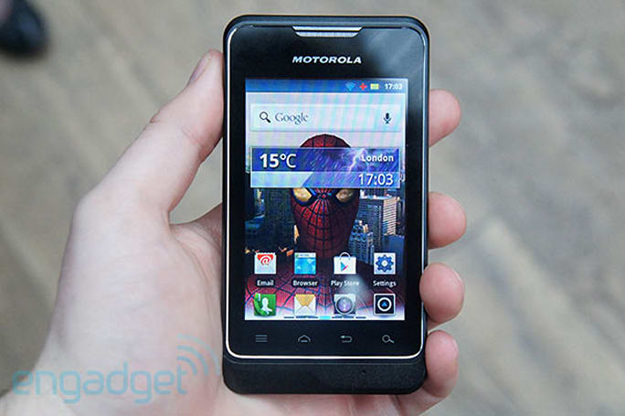 Motorola MOTOSMART comes to UK in July: we go hands-on