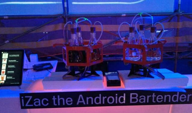 Android-powered bar bot makes a mean Rob(ot) Roy (video)