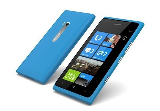 AT&T now accepting Lumia 900 pre-orders, only those seeking cyan or black need apply (update)