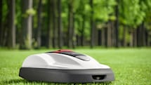 Honda's Miimo robotic lawn mower beats the heat, won't pour your lemonade