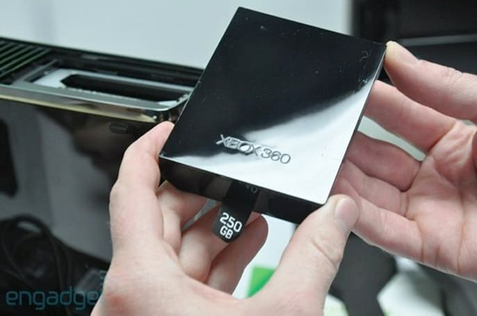 Xbox 360 S 250GB hard drive sneaks into stores, Microsoft cackles as you fall into its trap (update: official)