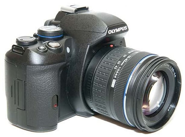 Olympus E-620 reviewed, does entry-level DSLR right