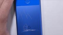 Google Pixel im Kratz-, Brenn-, Biegetest