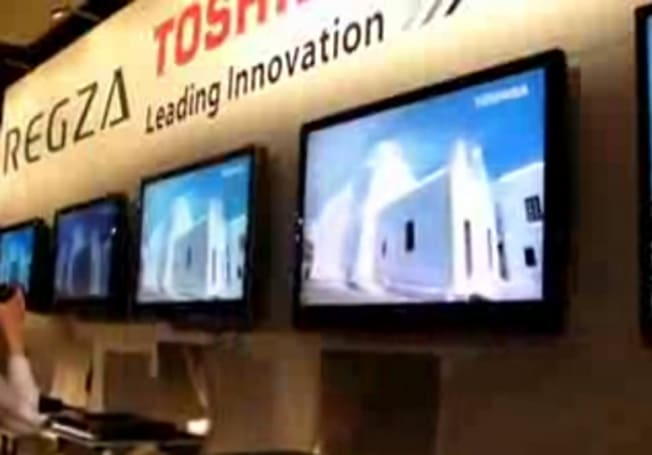 Video: Up close with Toshiba's new LCD TVs
