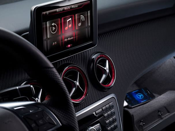 Mercedes-Benz updates A-Class infotainment system, focuses on iPhone and Siri integration