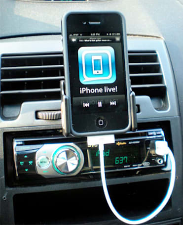 Did iOS 4.1 introduce in-car USB playback problems for you?