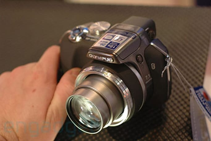 Hands-on with Olympus's SP-550UZ, Stylus 780, 770SW, 760, and FE-230, FE-240, and FE-250
