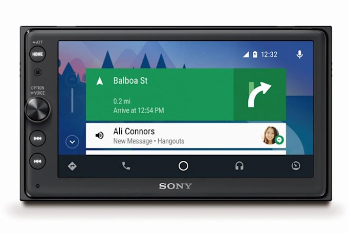 Sony receiver lowers the costs of Android Auto and Apple CarPlay