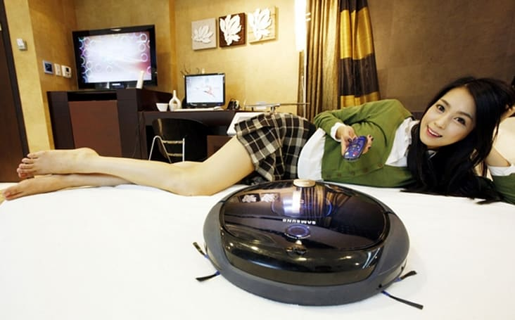 Samsung's Tango robot vacuum uses cameras to clean your floors, duvet covers