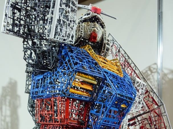 Mad modelers make 10-foot-tall 'Recycle Grade' Gundam model from disused parts trees