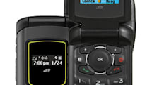 Sprint rolls out everything-proof Motorola i570