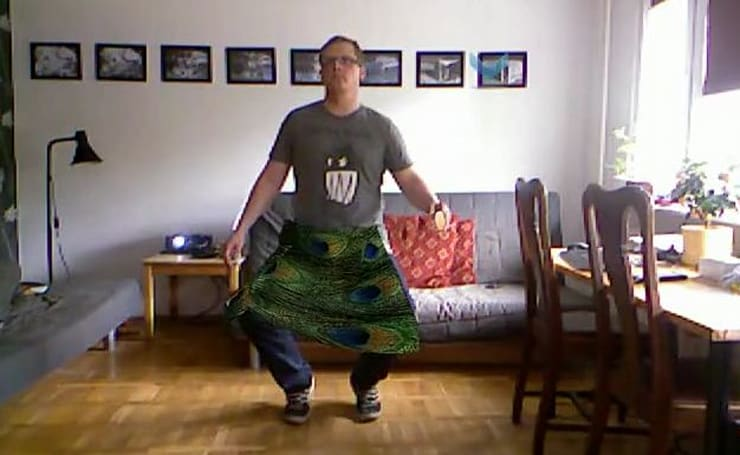 Kinect hack turns your 360 into a 3D walk-in closet