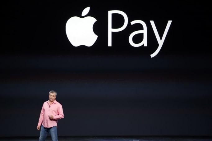 New York's busiest railways now accept Apple Pay