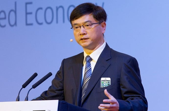 China Mobile head says conflicting technology is only partly why it doesn't carry the iPhone