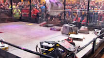 Roboter-Massenkeilerei: 24 BattleBots geben sich Saures