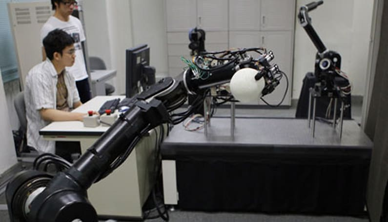 Japanese researchers develop baseball playing robots, Mark Buehrle reportedly unimpressed