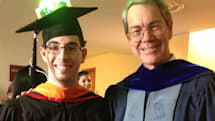 Cornell student's graduation cap sports super-bright LEDs that attendees control from the web