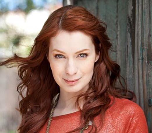 Live from the Engadget CES Stage: kickoff with Felicia Day (update: video embedded)
