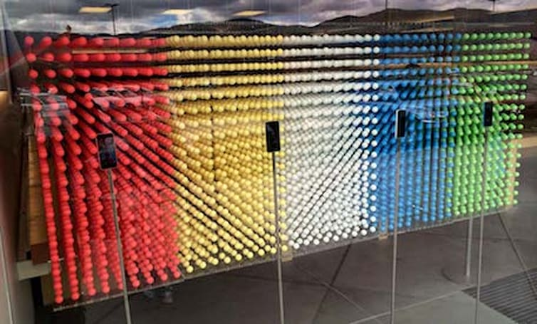 Apple Stores create beautiful iPhone 5c-themed window display