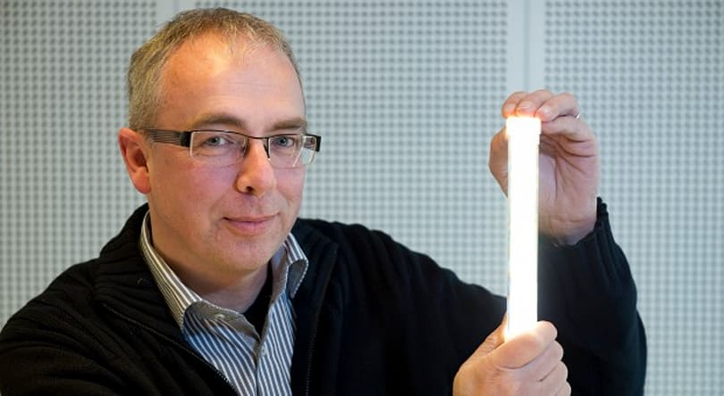 Philips TLED lamp prototype combines efficiency, brightness and warmth