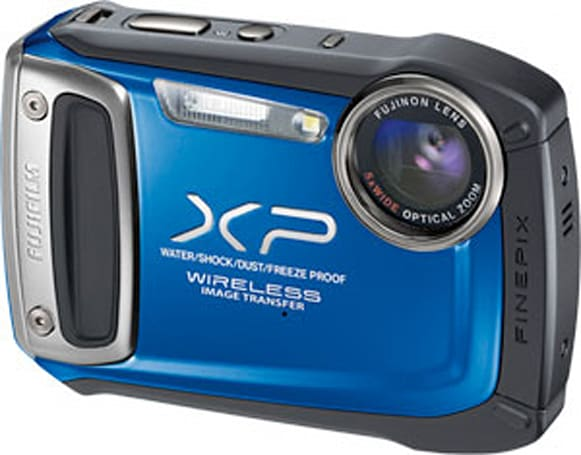 Fujifilm FinePix XP170 camera rebuffs water, dust and cold, cuddles up with iOS and Android (video)