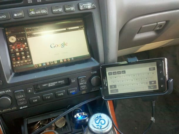 Droid Bionic mod brings HDMI mirroring and Webtop to your car, please drive responsibly