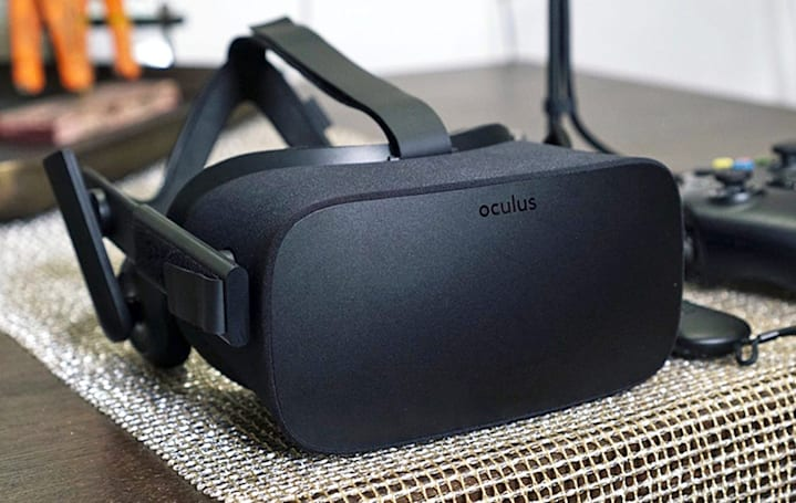 Senator Al Franken takes on Oculus over VR data mining