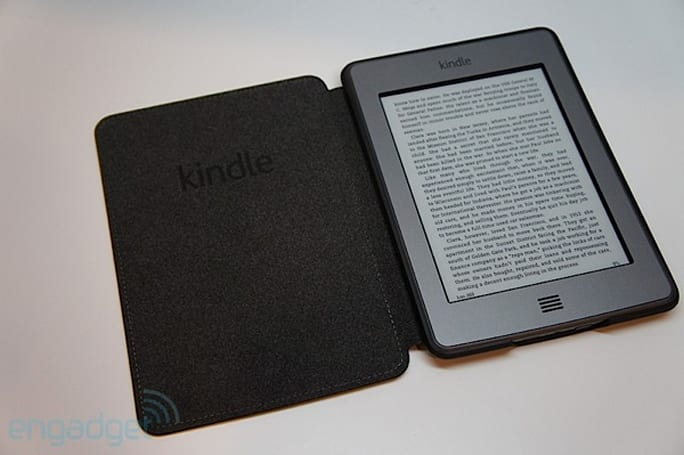 Kindle Touch updated with new UI, Whipersync for Voice and comic book navigation