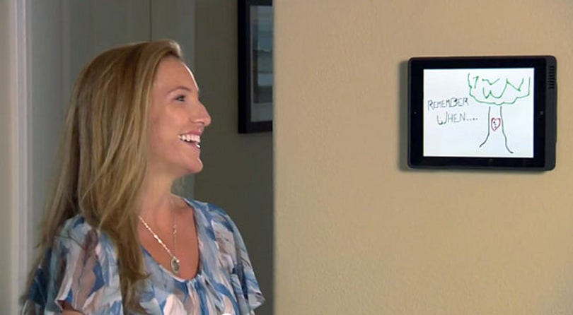 LaunchPort wirelessly charges iPad 2, infects users with glee (video)