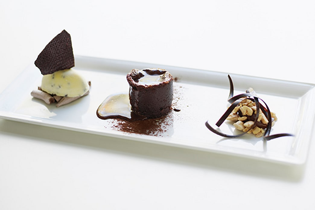 A surprising reason you should order dessert on dates