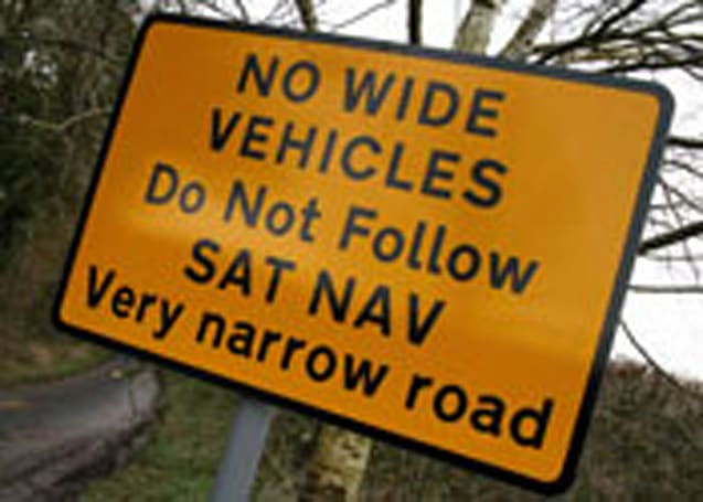 UK posts signs to ignore navigation systems, avoid perils