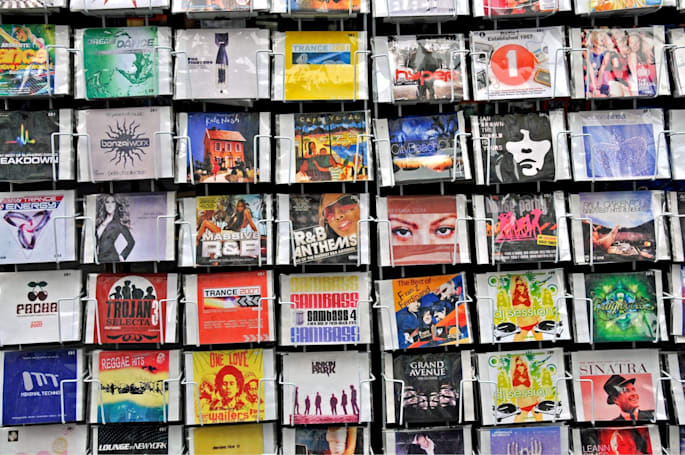 Pirates swamp online stores with counterfeit music CDs