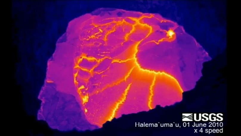 Hawaiian volcano in sped up, thermal video: pretty intense