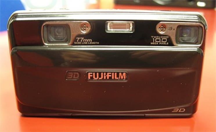 Fujifilm Finepix Real 3D W1 gets the hands-on treatment