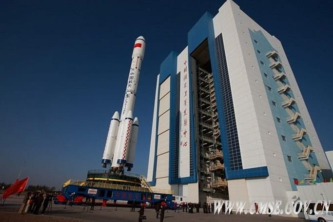 China launches unmanned, auto-docking spacecraft