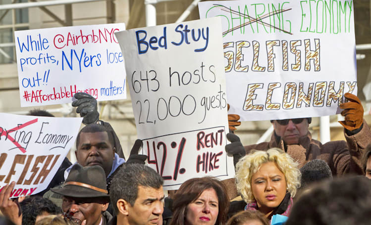 New York votes to ban ads for whole apartments on Airbnb