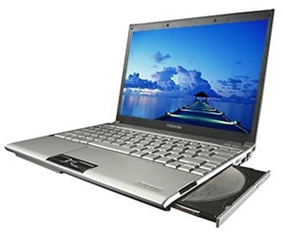 Toshiba adds 3G to the featherweight Portege R500