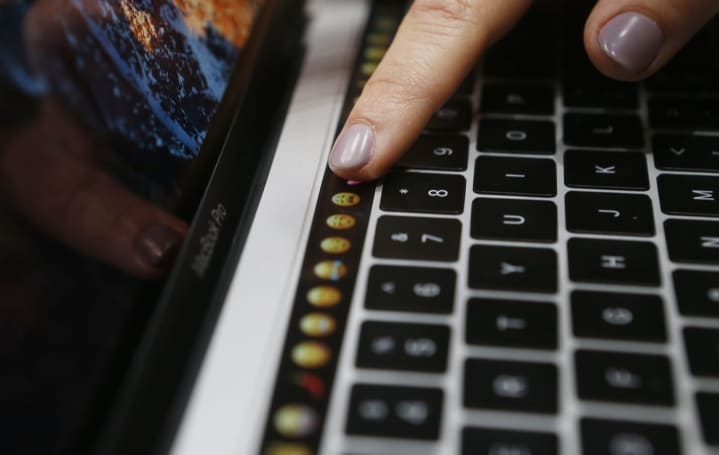 Apple's MacBook Pro isn't the touchscreen laptop it ought to be