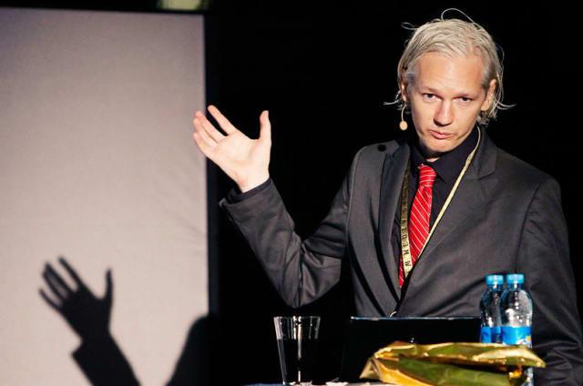 Julian Assange findet Boom der Fake News dufte