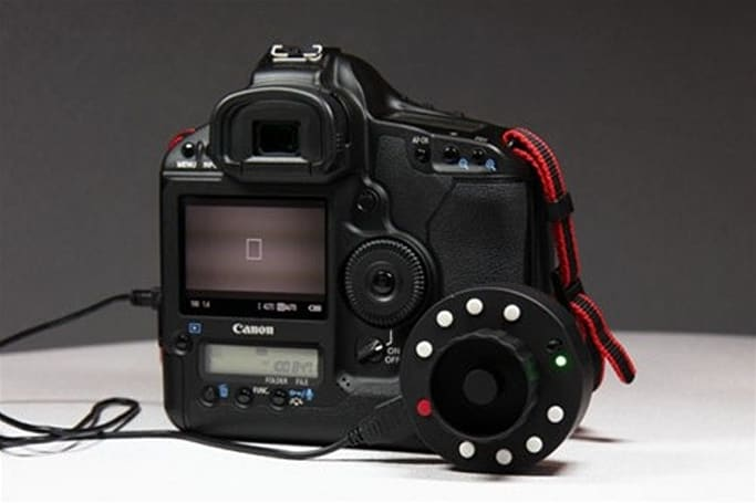 Okii USB Follow Focus knob makes remote-focusing your Canon DSLR easy (video)
