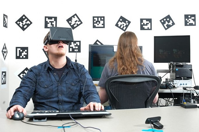 Oculus lets you tinker with the code and design of its first VR headset