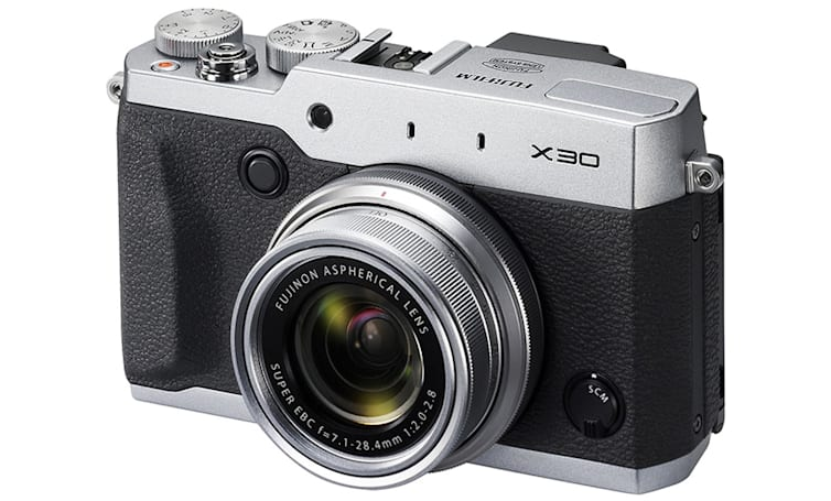 Fujifilm X30 has a futuristic viewfinder to go with its vintage looks