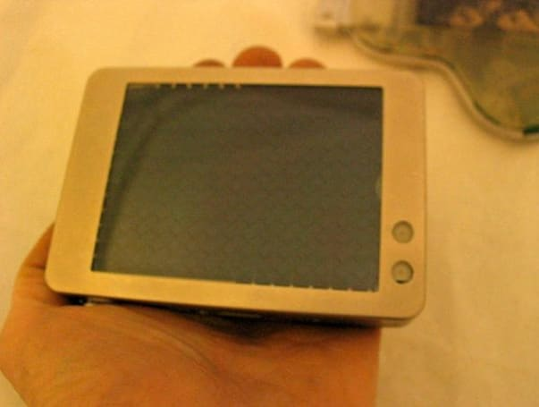 OQO founder lists prototype handheld PCs on eBay