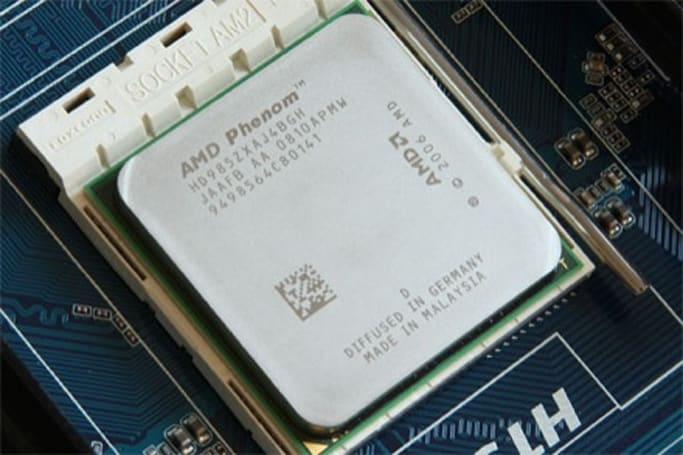 AMD's fastest Phenom X4 9850 desktop CPU tested, Intel points and giggles like brat
