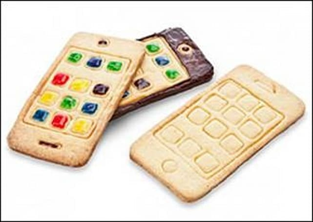 Now you can bake your own iPhone and eat it, too!