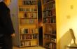 Wie im Film: Geheimes Bücherregal als eleganter Haushalts-Hack