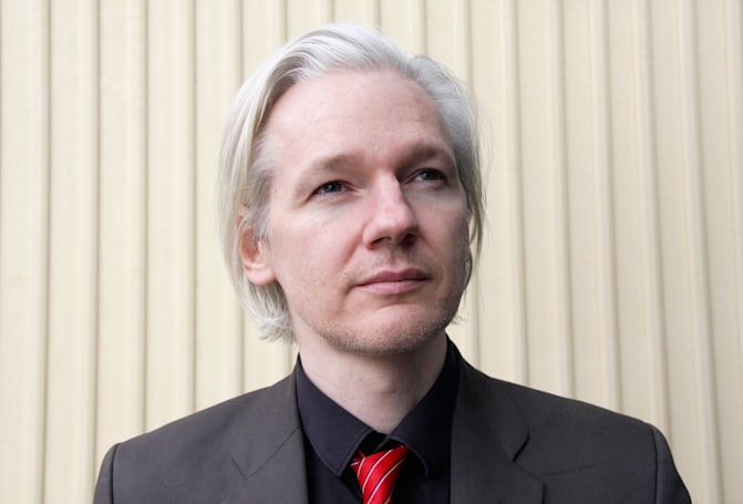 UK police pull Assange embassy guard after wasting millions waiting