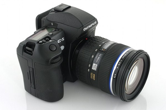 Olympus E-5 DSLR reviewed: solid upgrade for E-3 owners, not much appeal for anyone else