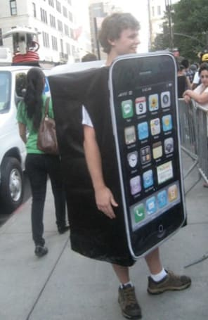 iPhone 4 Launch: More photos from 5th Ave